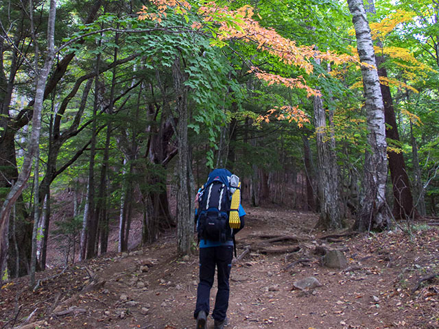 山と山の間にある稜線を歩いて複数の山に登る。それが縦走。19kgの装備を担いで5日間、途中で自分でも何が楽しいのかわからなくなってきます
