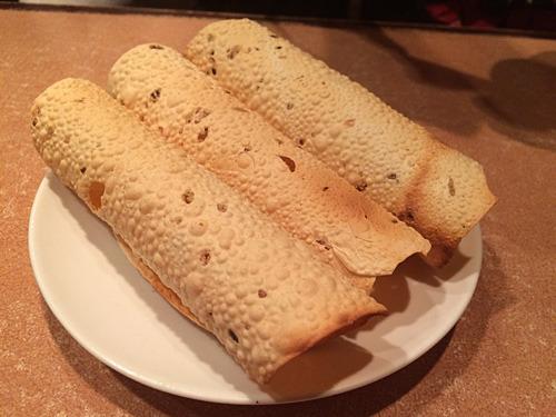 中身はなにも入っていない。パリパリという言葉がどんな料理よりも似合う。