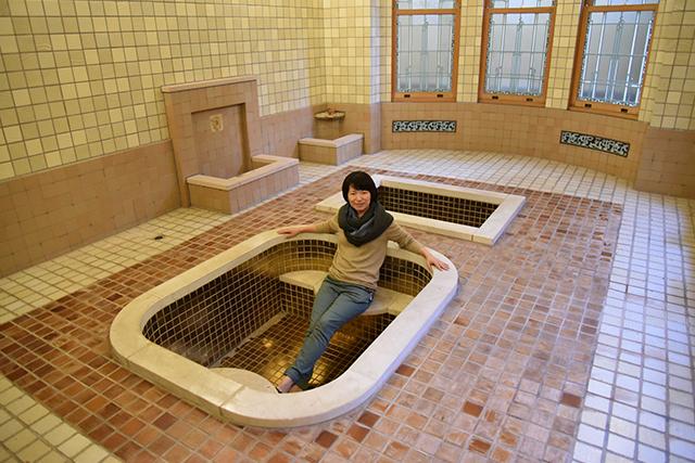 ローマ風の豪華な浴場があった。浸かりたかったなあ。