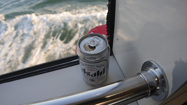 ビールが売っていたので買ってみた。寒い。それにしても芭蕉、こんなに高速で水上移動したのかな…