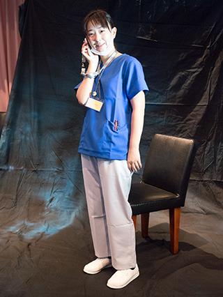 夜勤の疲れた女医