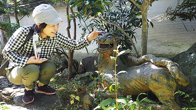 お庭で作品を見せてもらった。虎である。足元には子どももいて凄く可愛い。