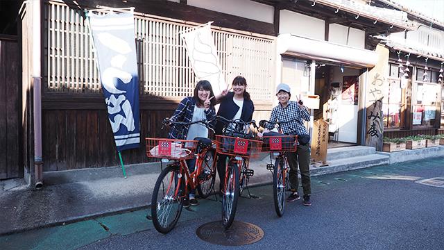 向かう途中、いこい茶屋の前で幸村号・昌幸号と遭遇。まちで人気の自転車がそろい、嬉しくて記念撮影。(いこい茶屋のおばちゃん撮影)