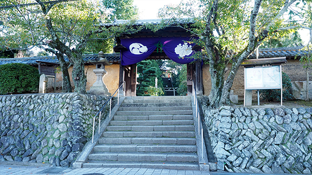 おっぱい寺こと慈尊院。かつて高野山領の政所だったところであり、空海のお母さんが暮らしていたところでもある。