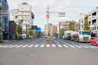 映像の一番最後、羽田二丁目交差点を右折した先の風景は、いま、こんな。