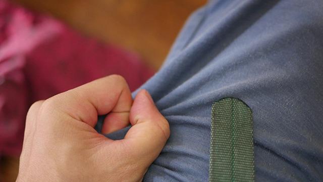 気づいたらズボンのすそをしっかり握りしめていました。子供の注射みたいだ!