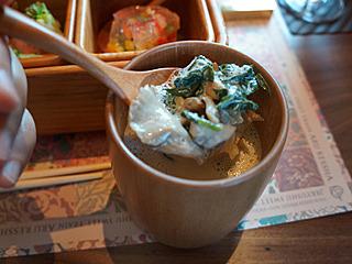 キノコどっさり隠れてましたよ豆乳のスープに!