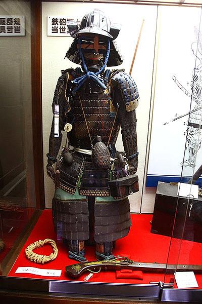 これ着てガチの殺し合いしてたのだ、昔の日本人。こえー。
