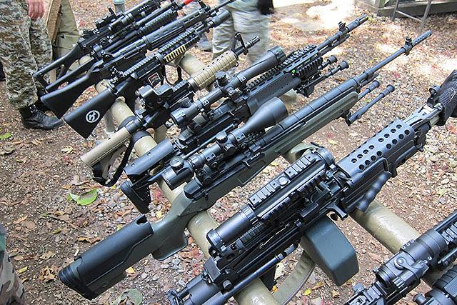 現代のライフル銃。ほら、大体同じ。