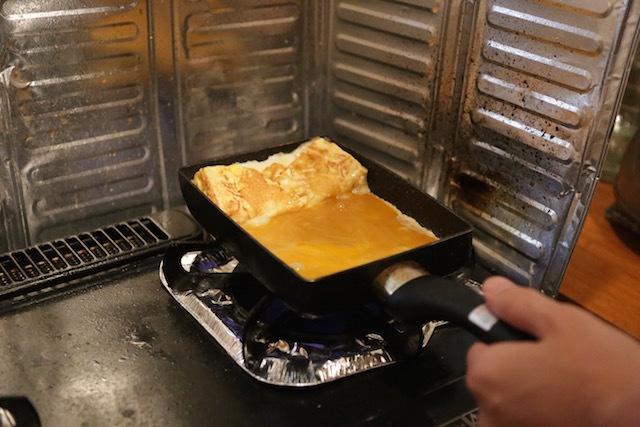 まず、お弁当に入れる具材を作る。