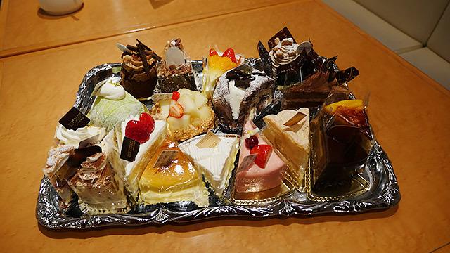 こちらが豚も食べている、「カタシマ」のケーキ