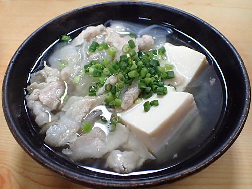 身近な食材だけどこの組み合わせは初体験だな。大阪のシチューうどんを思い出す。