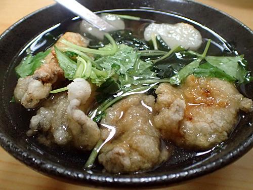 常連さんがこの時期を楽しみにしているというカキの揚げだし。こちらも塩味のスープだが肉豆腐とは全く別物。