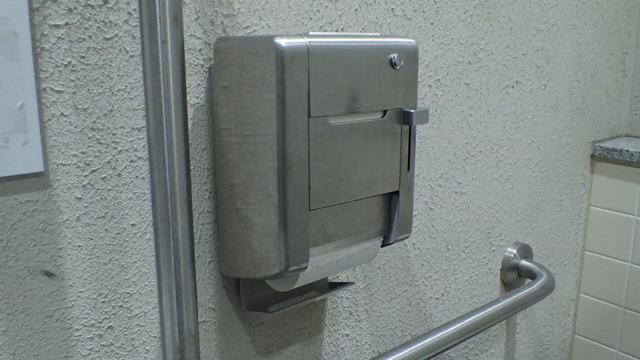 盗難防止用トイレットペーパーホルダー