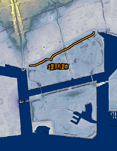 前出の航空写真たちと同じ範囲を地形図で。堤防跡のラインからきっぱりと高さが変わっている。(国土地理院「基盤地図情報数値標高モデル」5mメッシュをカシミール3D スーパー地形セットで表示したものをキャプチャ・加筆加工)