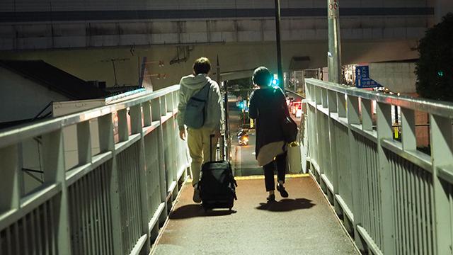 石川「駅のホームに入ってくる電車、減速してるのに触るの危ないじゃないですか。あれに棒を突き出すのかと思うと怖いですね。」 私「打つのは小さい球ですから。大丈夫です。」 野球の球と電車を比較するの、斬新。