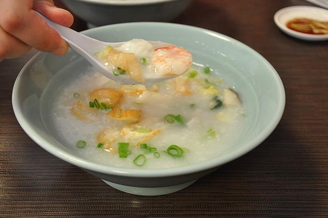 海鮮たっぷり「什錦魚生粥(ごもくかゆ:710円)」