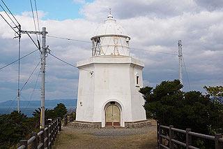 全国八灯台のひとつという由緒ある灯台。