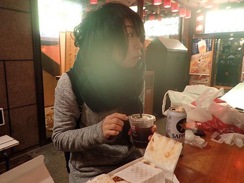 「こ、これ、私が勤めていた飲み屋で出していたコーヒー焼酎と同じ味ですよ!」と興奮する古賀さん。確かにうまいんですよね、なんだか悔しいけど。