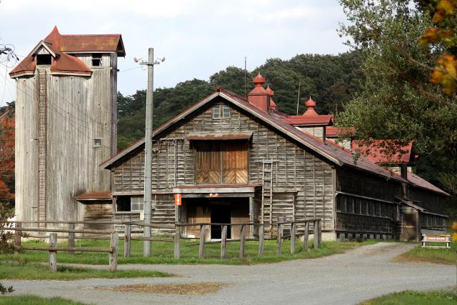 二号牛舎と同じく、明治41年(1908年)に建てられた四号牛舎