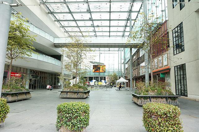 百貨店と商店街の間の広場で開催。初の完全野外イベントでもあった。