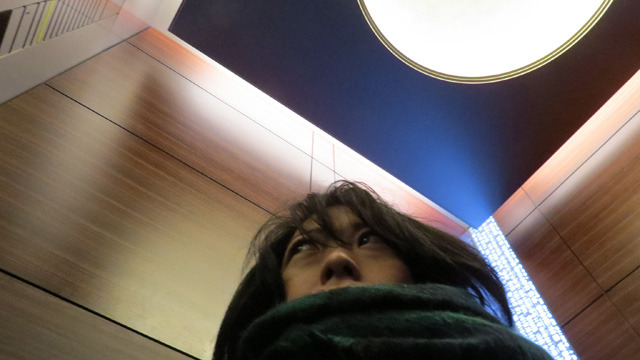 そしていま庶民がエレベーターで28Fへ
