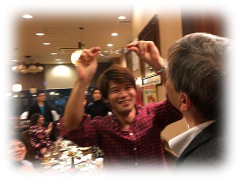 ちなみに飲み会で編集部 安藤は社長のメガネを外していた
