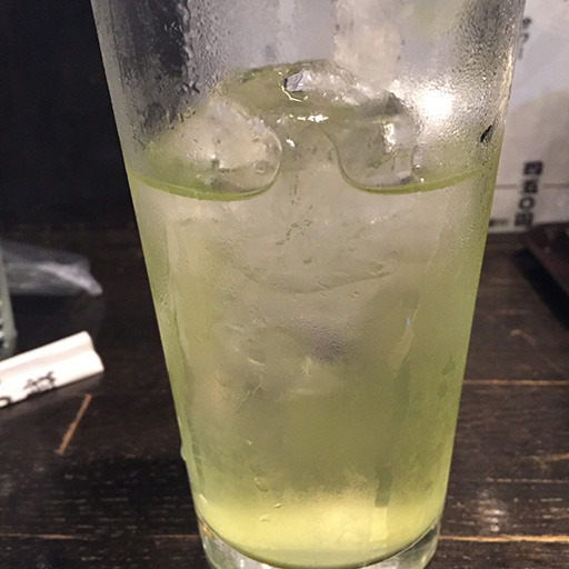 濃いめの緑茶ハイが進む