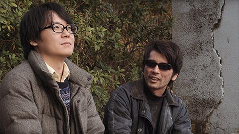 俳優の古関昇悟さんはぼくらのやってる明日のアーを見てなんか一緒にやりましょうと声をかけてくれた。やりましょう! ホームレスを!