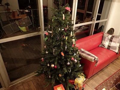 クリスマスツリーの飾りまで