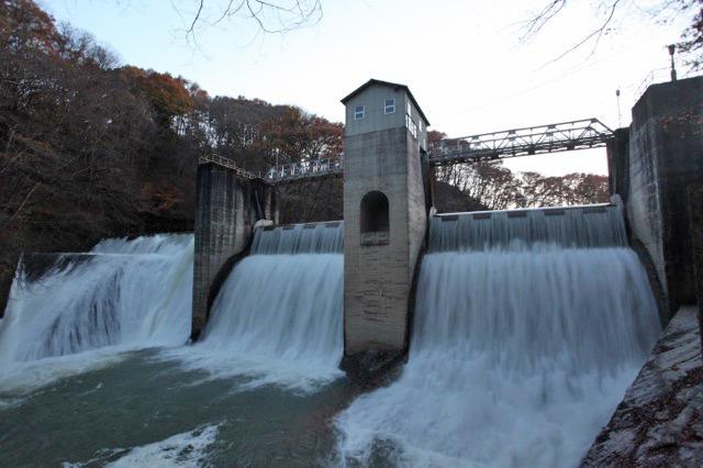 川の水が多くても開けずに上を乗り越えさせることも可能