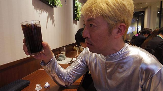 これがアイスコーヒーという飲み物か