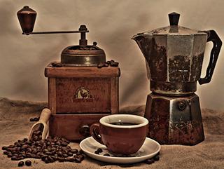 いっそ、コーヒー豆をそのままかじって済ませられないものか。