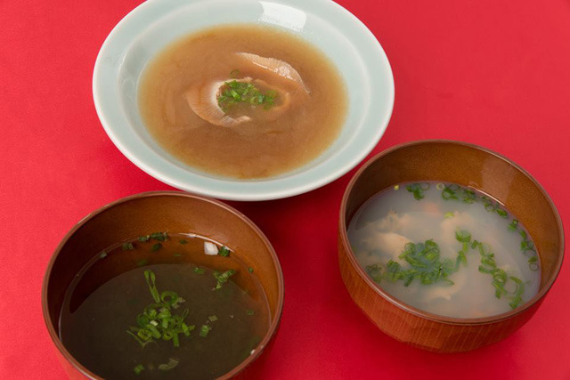 上から時計まわりに、ふかひれスープ、いちご煮、とろろ昆布汁