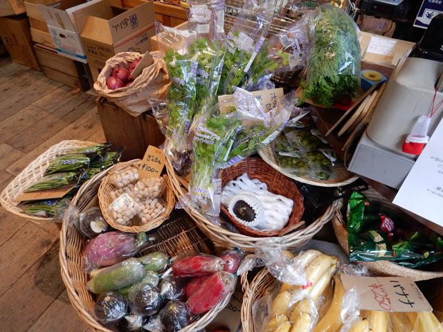 「なんか珍しい野菜ありますか?」って聞いて色々紹介してもらうのはとても楽しかった。
