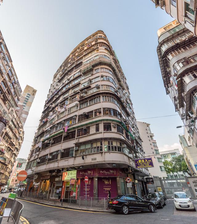 団地じゃなくでも、市内中心部の住宅・店舗のビルもすてきすぎるし…!