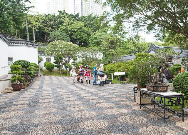 絵に描いたような中華風庭園としてデザインされたのは、いわばここが香港の中国への返還の象徴的な場所ゆえだろう。園内ではコスプレ撮影の方々を見かけた。時は流れたなあ。