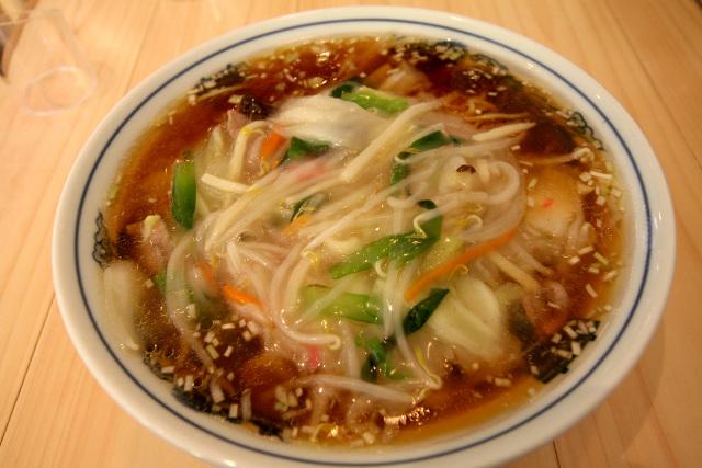 あんかけが濃くまとまっており、スープとの境が明確だ