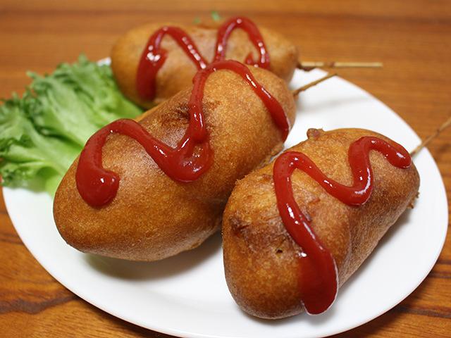 新メニュー案3号『アメリカンハンバーグドッグ』。またしても美味いの確定。