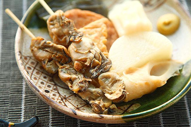 広島名物にどうですか、干し牡蠣のおでん。