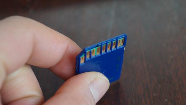 ちなみに私は考えられないくらい雑にSDカードを扱ってるのでわりとすぐ壊す(バックアップはちゃんとまめにとってます!)