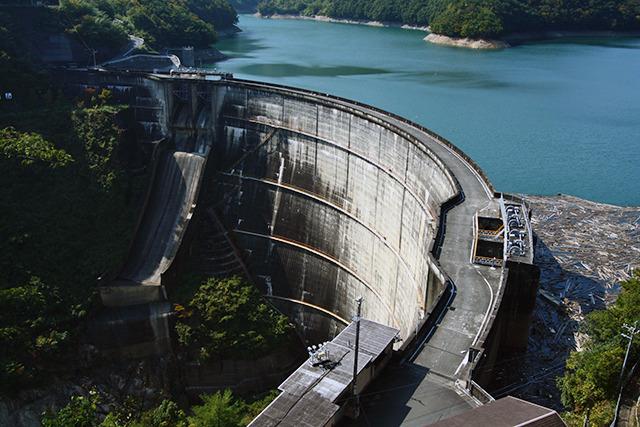 高さ日本一がそれほど重要ではないほどの要素を持った上椎葉ダム