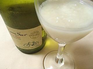 元がブドウ果汁なので恐らく合うだろう。白ワイン。