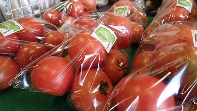 見ただけで新鮮とわかるトマト。