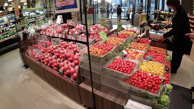 県内のスーパーのトマト充実ぶりもすごかった。