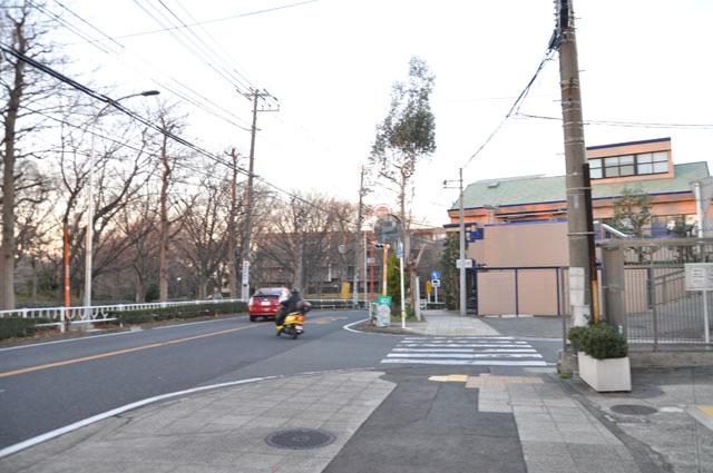 「ドルフィン」が店を構える根岸旭台は、高級住宅地としても知られている