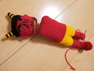 編みかけ。そのうち完成させよう……