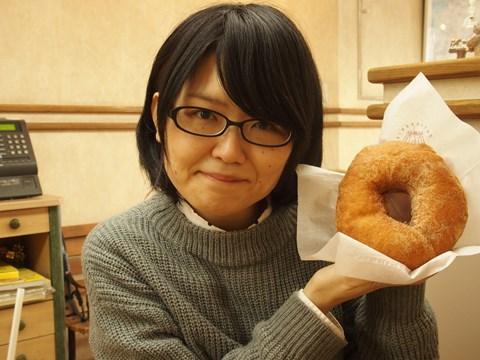 ドーナツと同じくらいの小顔だと言い張りたい。