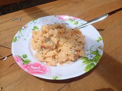 チーズで油脂分を足し、リゾットにしてもなお美味し。鯉みたいに枝分かれした小骨がたくさん入っててちょっと食べづらいが。