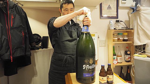 1本で9リットル、お値段3万円。でかすぎるベルギービールがスーパーで売られていました。どう撮っても合成写真みたいです。